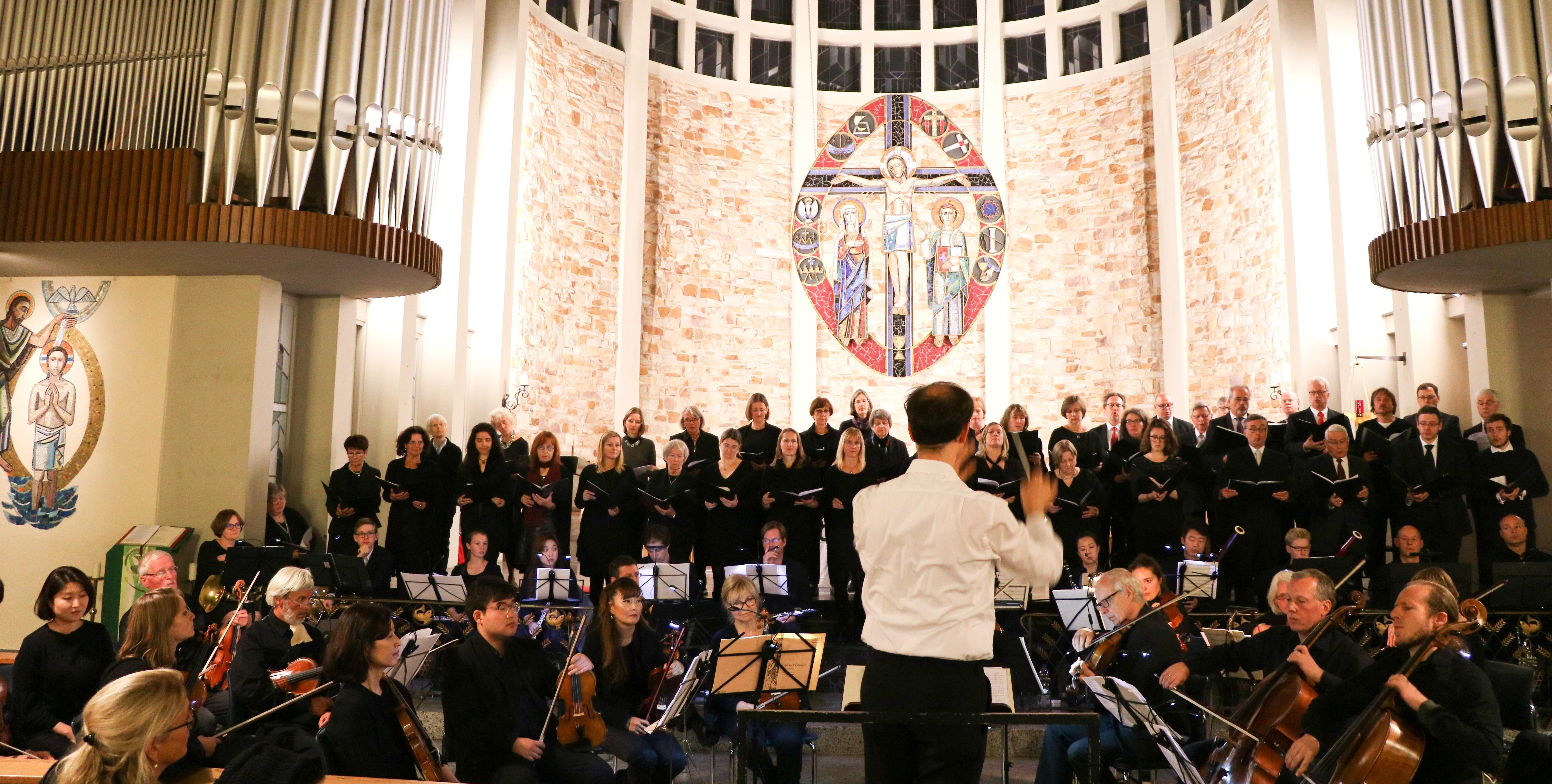 Symphonisches Konzert mit Jubiläumschor im Rahmen der ...